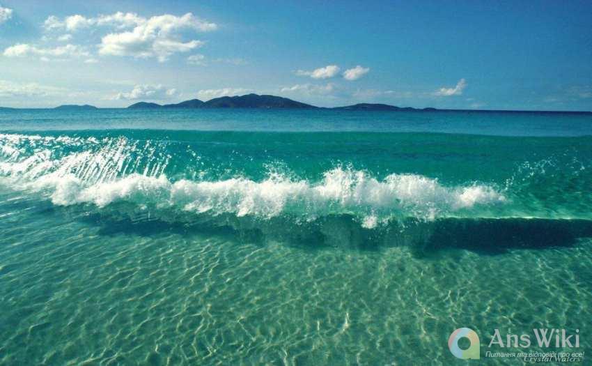 Чому вода в морях та океанах солона?