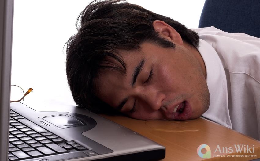 Чому люди пускають слюні уві сні?